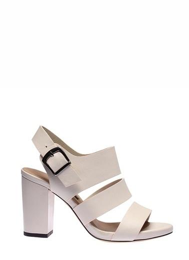 İnci Topuklu Ayakkabı Bej